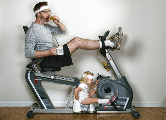 03-father-daughter-gym-exercise