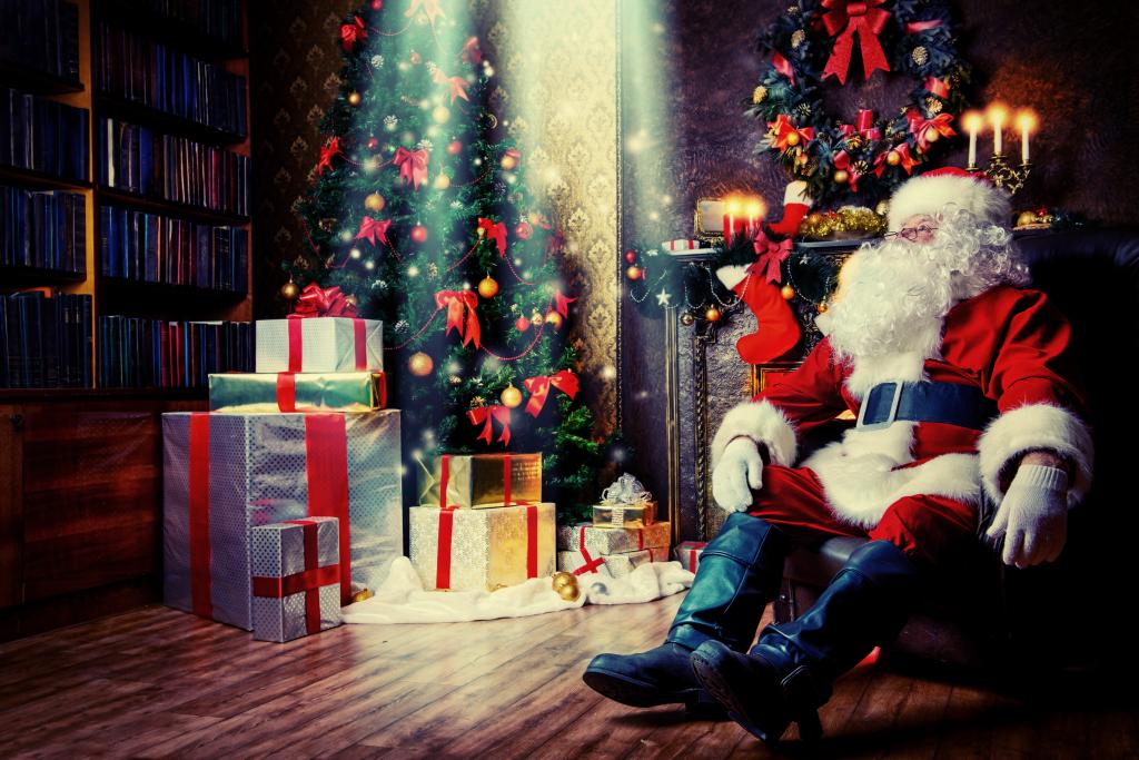 12-5-14 Santa and christmas _44523850
