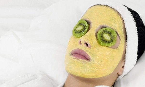 Yogurt-Turmeric-Face-Mask