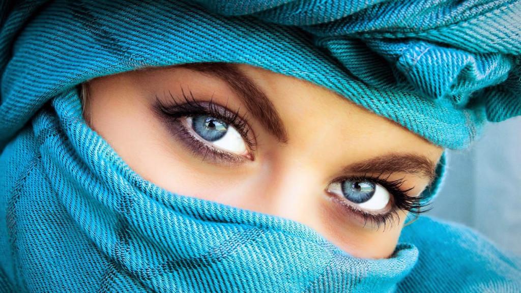 blue-eyed-girl