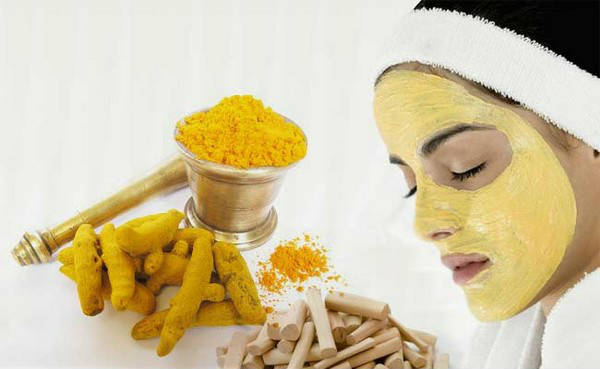 tumeric-and-yogurt-face-mask